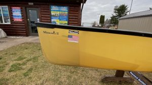 Wenonah Minnesota II – Aramid Ultralight, Black Trim, Bucket Sliding Bow Seats, Skid Plates – Blem