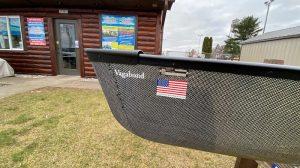 Wenonah Vagabond – Innegra/Black Aramid, Black Trim, Center Adjustable Hung Web Seat, Footbrace – Blem